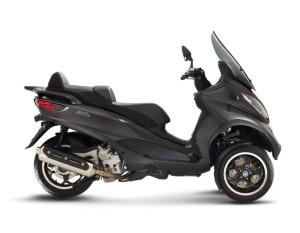 Mp3-Sport-500-My14-Nero_Opaco-carbonio
